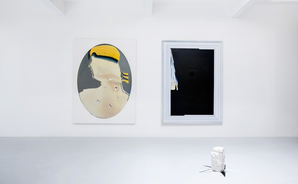 "Exhibition view, 2017. Left: ""Baghdad I"", 2017, oil on canvas, 200x150cm. Right: ""Baghdad II"", 2017, oil on canvas, 200x150cm. Front: ""o.T. Ed 1/3 + 2ap"", 2017, plaster, H: ca. 35 cm, Durchm: ca. 26 cm. Photo: Verena Nagl."