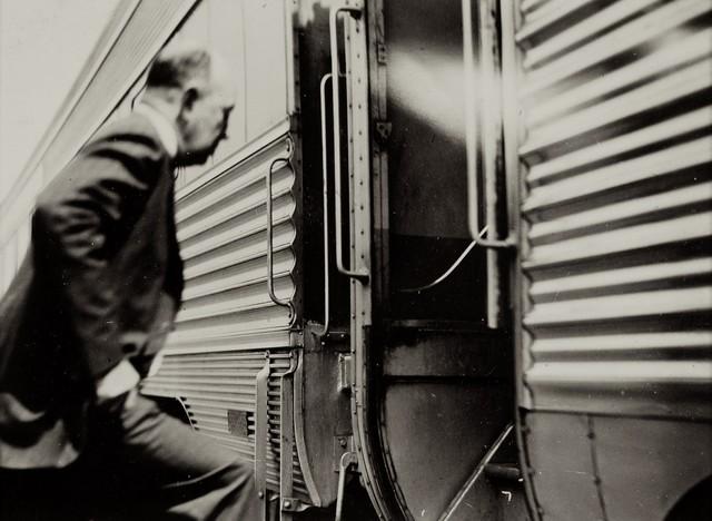 Iwao Yamawaki, 'Untitled', 1930-1932, Photography, Gelatin silver print; printed c.1930-32, Howard Greenberg Gallery