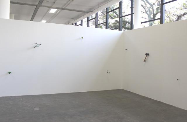 , 'O piloto e o martelo de borracha,' 2013, Central Galeria de Arte