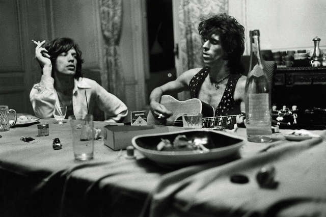 Dominique Tarlé, 'Mick and Keith Dining, 1971', 1971, Photography, Archival Inkjet Print, TASCHEN