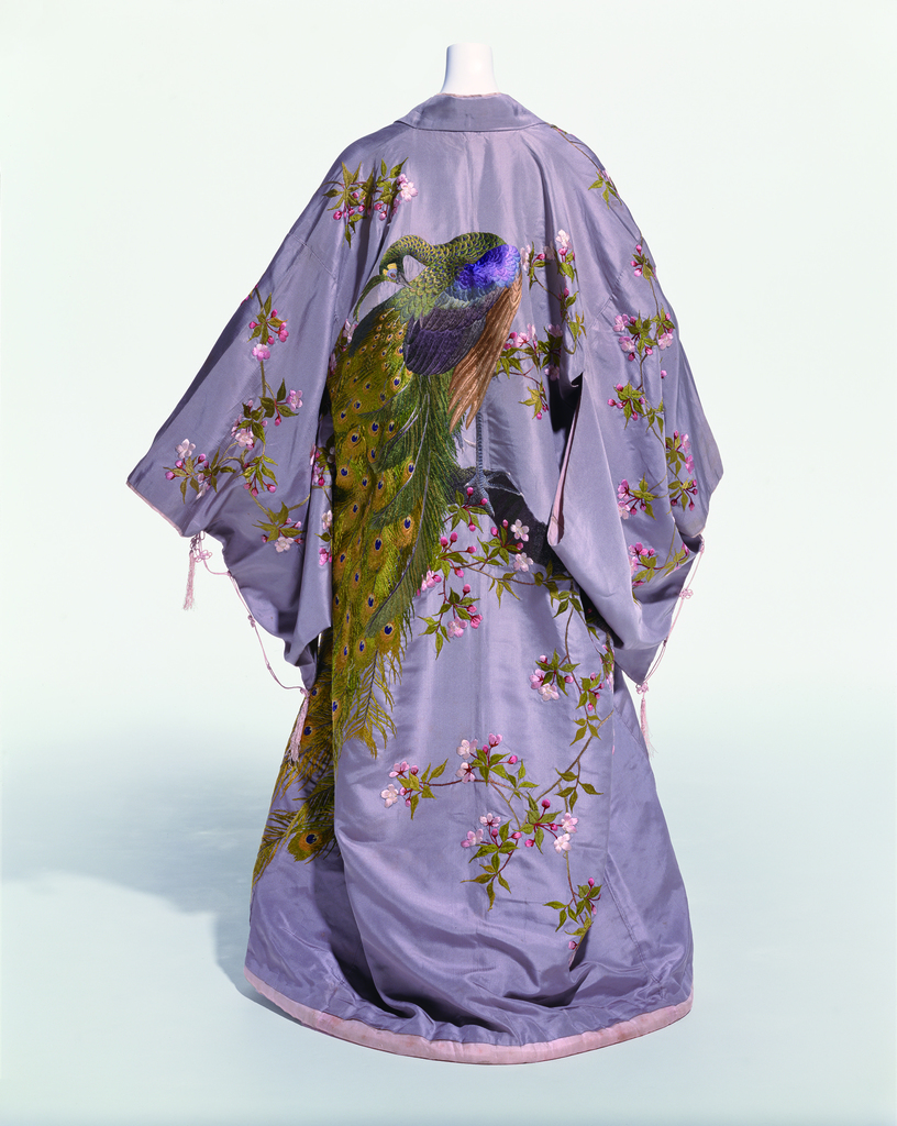Iida Takashimaya, Kyoto / Hostess Gown / ca.1906 / Collection of the Kyoto Costume Institute (KCI) / Photo by Kazumi Kurigami