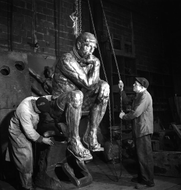 Robert Doisneau, 'Fonderie Rudier, 1950, penseur sorti de sa gangue (Foundry Rudier, 1950, released from its matrix thinker)', 1950, Musée Rodin