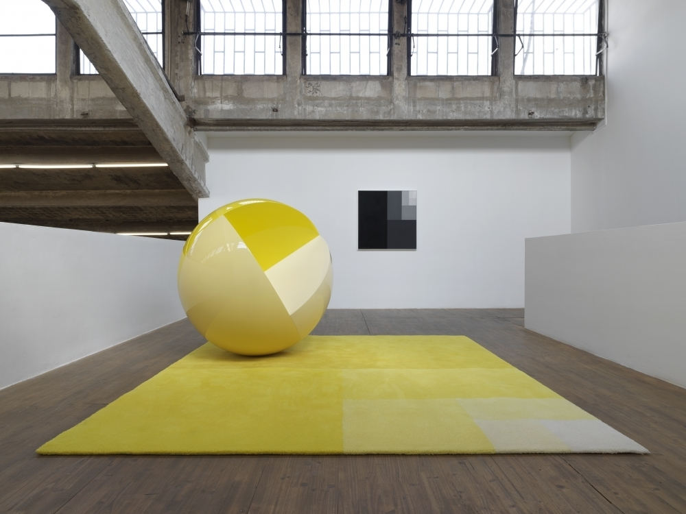 Divisions (Sphere and Carpet), 2014, wood, lacquer, glass fibre reinforced synthetic, acrylic lacquer, tufted wool