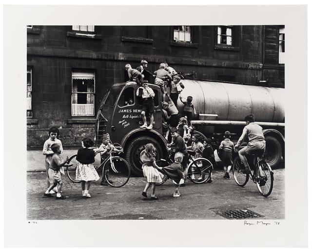 Roger Mayne, 'Children Around a Lorry, Cowcaddens, Glasgow', 1958, Huxley-Parlour
