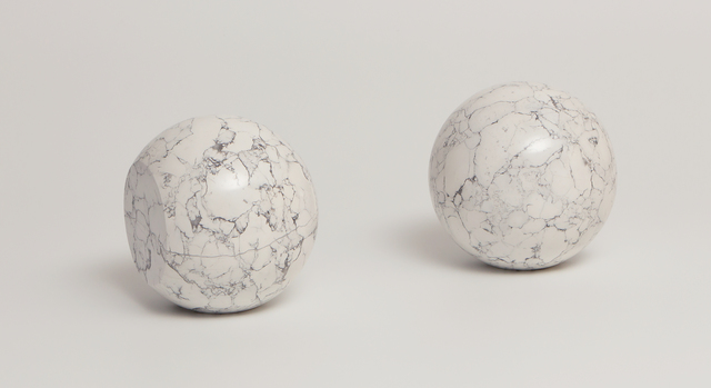 , 'Escultura para todos os materiais não transparentes,' 1985, Galeria Raquel Arnaud