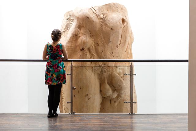 , 'Hombre (piernas),' 2015, Terreno Baldío