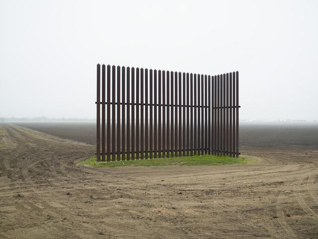 , 'Wall, Los Indios, Texas, 2015 / El muro, Los Indios, Texas, 2015 ,' 2015, Pace/MacGill Gallery