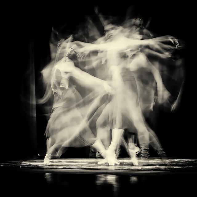 , 'Luz en movimiento,' 2015, Art Nouveau Gallery