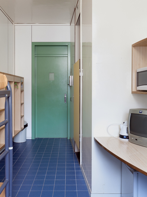 , 'Voor vrij Nederland (immigration detention, location Zeist) right image,' 2015, Van Kranendonk