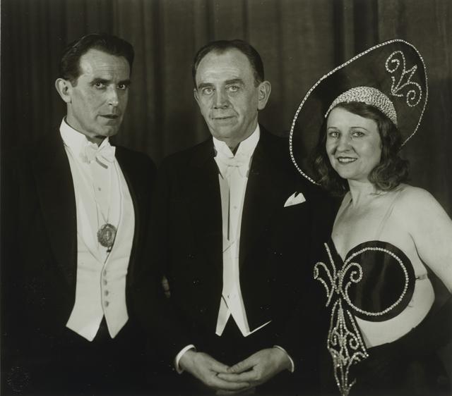 , 'Stage Performers [Carl de Vogt, Willi Ostermann, Trude Alex],' 1932, Galerie Julian Sander