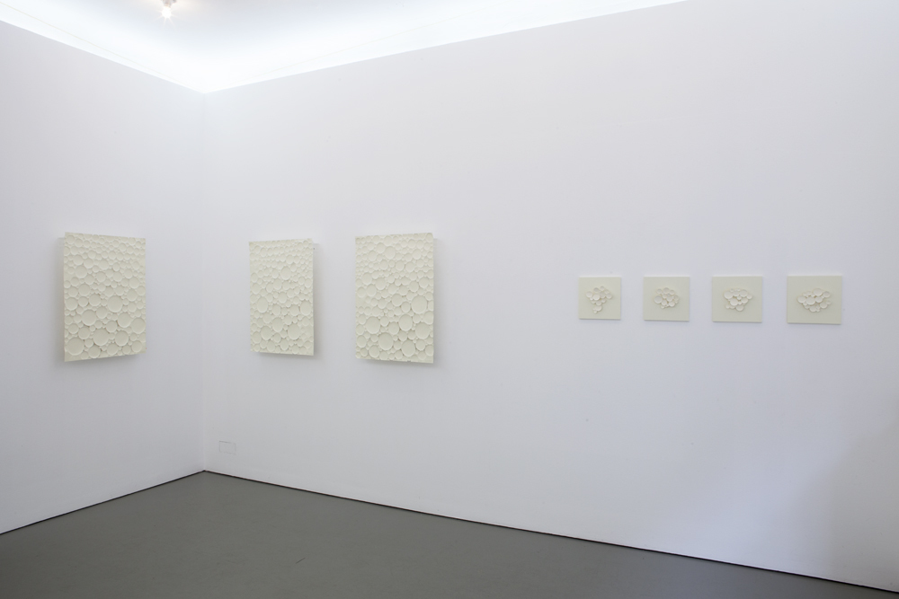 Exhibition view with works from the 'Lumière' and 'Ètude' series; photo: Lukas Heibges