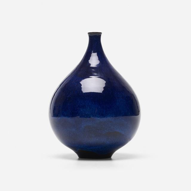 Gertrud Natzler, 'teardrop bottle', 1963, Wright