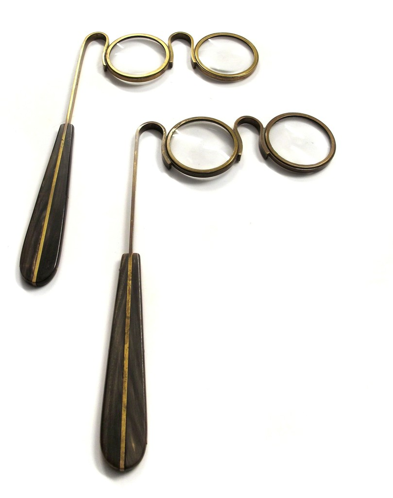 Lorgnette Magnifier (2 available)
