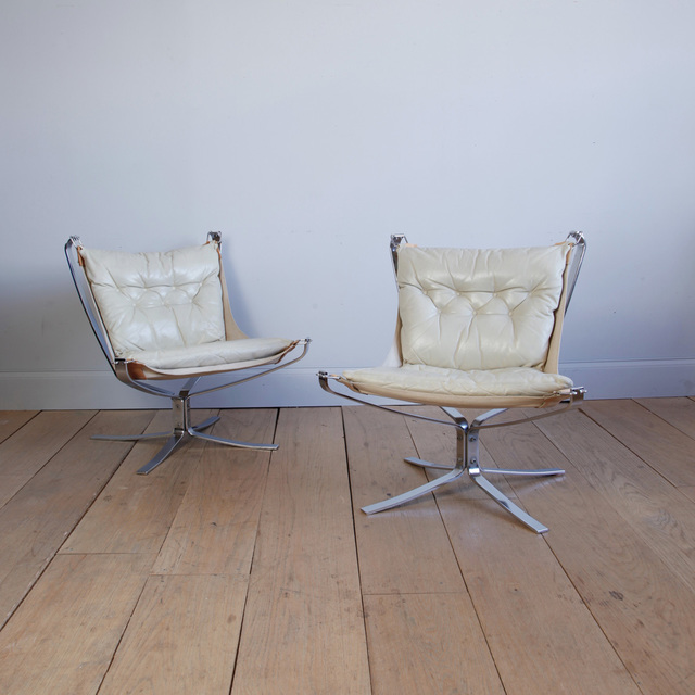 , 'PAIR OF SIGURD RESSELL FALCON CHAIRS,' ca. 1970, Lawton Mull
