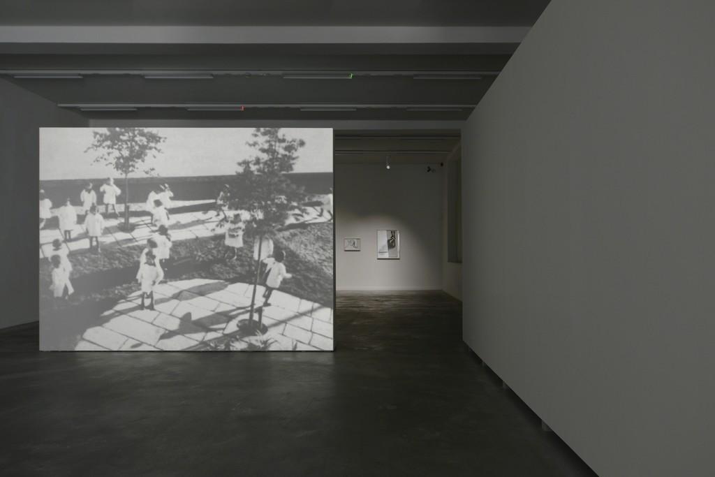 David Claerbout, Kindergarten Antonio Sant'Elia, 1932, 1998 (still) © Isabelle Arthuis