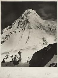 Il k2 con gli autografi degli alpinisti della spedizione italiana del 1954