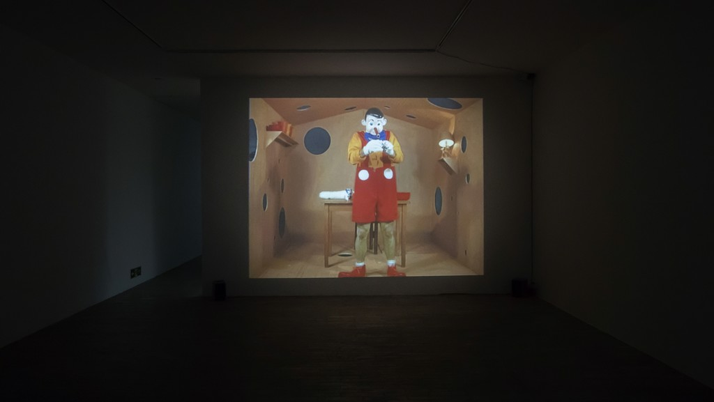 Paul McCarthy, Pinocchio Pipenose Householddilemma,1994, 44:00, installation view, M WOODS 2018 © Paul McCarthy  Courtesy the artist and Hauser & Wirth M WOODS Collection