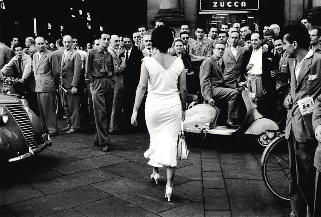 , 'Gli Italiani si voltano (Italians turn around),' 1954, Museum für Fotografie