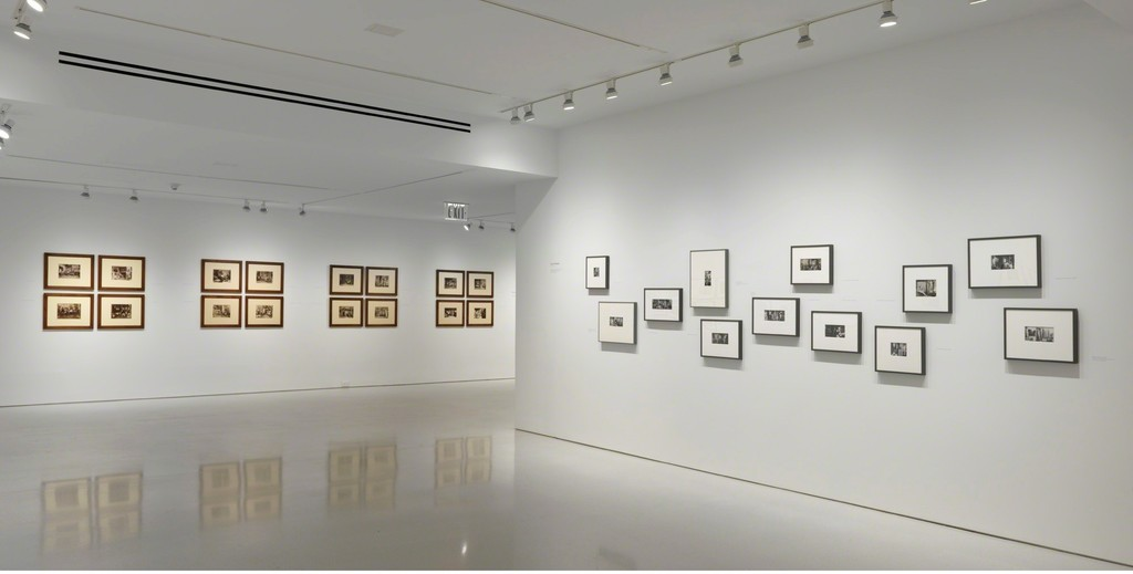 Right: © John O'Reilly  © Gagosian Gallery. Photo   by Robert McKeever