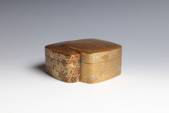 , 'Box with Cherry Blossoms and Maple Leaves (T-4466),' Meiji era (1868, 1912), 19th century, Erik Thomsen