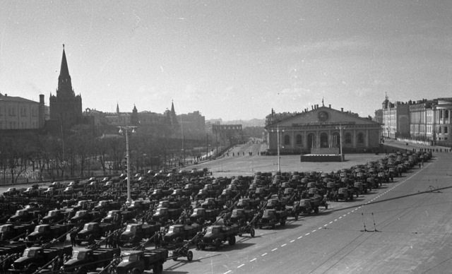 , 'Troops and equipment are manufactured for the Victory Day parade. Manege Square,' 1945, Lumiere Brothers Gallery