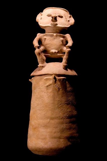 , 'Impressive Rio Magdalena Urn,' 800-1500, Muzeion Gallery