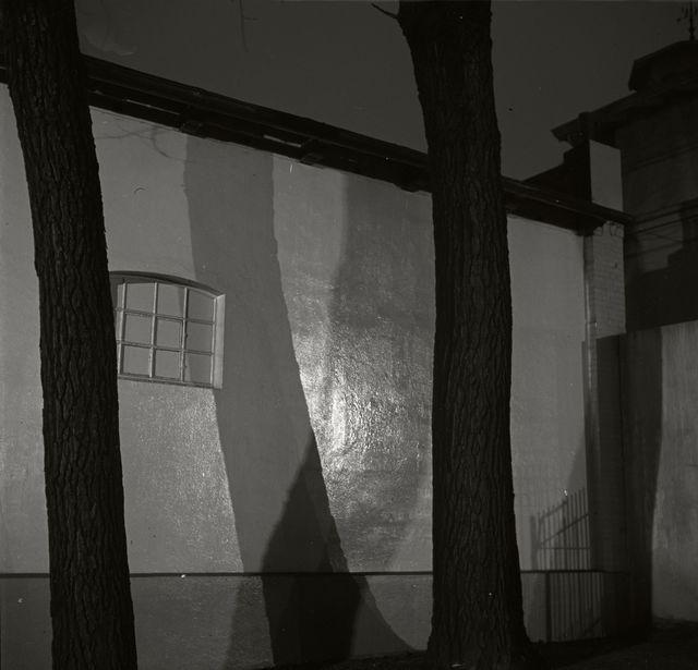 , 'Wall at night, Germany, 1930,' 1930, Magnum Photos
