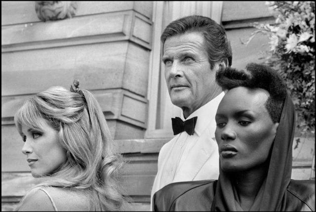 "Patrick Zachmann, 'American actors Tanya ROBERTS, Roger MOORE and Grace JONES on the set of ""A view to kill"", a James Bond directed by John GLEN.', 1985, °CLAIR Galerie"