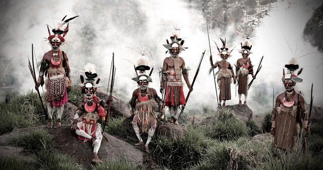 , 'XV 78 - Keke Kombea, Tande Mala, Lebosi Kupu, Mumburi Mupi, John Kundi, Menaja Koke, Likekaipia Tribe - Ponowi Village, Jalibu Mountains, Western Highlands - Papua New Guinea,' 2010, Kate Vass Galerie