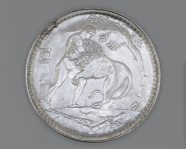 , 'Plate with Hercules Wrestling the Nemean Lion,' ca. 500, Legion of Honor