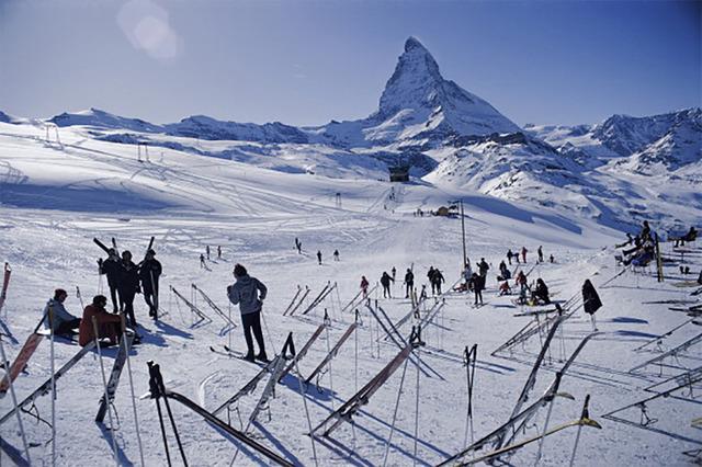 Slim Aarons, 'Zermatt Skiers', 1968, IFAC Arts
