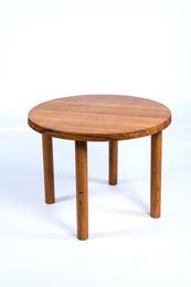 Model T02 dining table in oak