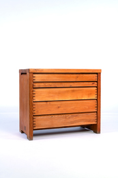 R09 chest of drawers in elm