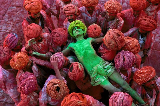 , 'HOLI FESTIVAL, RAJASTHAN, INDIA,' 1996, Huxley-Parlour