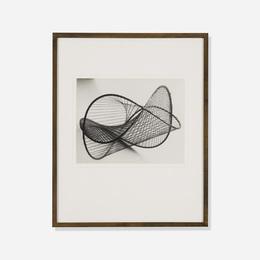 Mathematical object 'surface a courbure constante negative d'enneper, derivee de la pseudo-sphere'