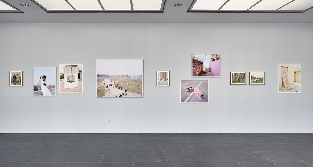 Vasantha Yogananthan, A Myth of Two Souls, 2016 (continuing), Installation view Frankfurter Kunstverein, 2018, Photo: N. Miguletz, © Frankfurter Kunstverein, Courtesy of the artist