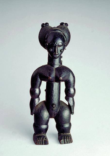 , 'Nkpasopi, figurine féminine (Nkpasopi,  female figure) ,' c. 1900 , Musée du quai Branly