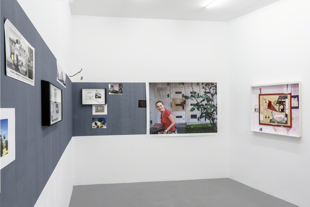 Mathew Hale, A PICTURE AND ITS PRICE, exhibition view Courtesy of the artist and Michel Rein, Paris/Brussels, photo Florian Kleinnefen