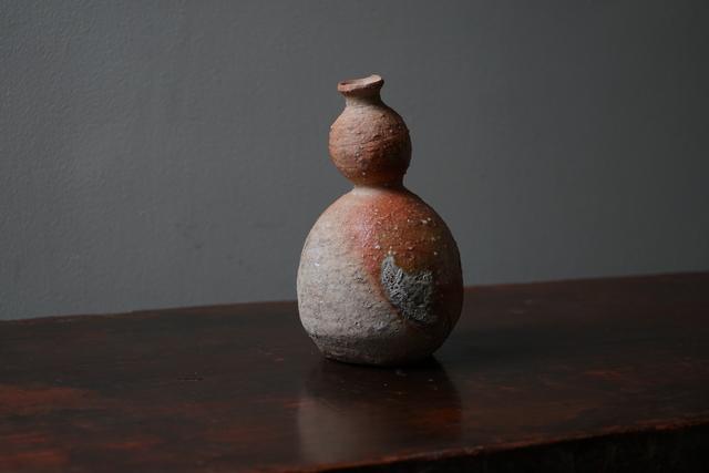 , '信楽徳利, Sake-Jar (Shigaraki-Style) 17011,' , Kamiya Art