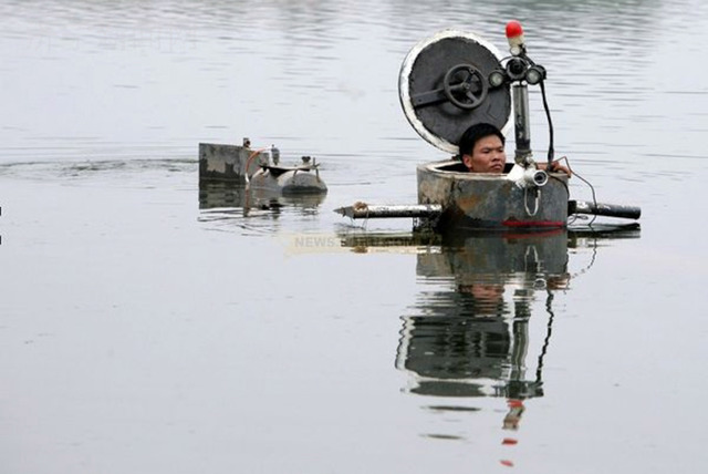 Cai Guo-Qiang, 'Da Vincis do Povo, China Research (Tao Xiangli in his submarine),' September 2009, Cai Studio