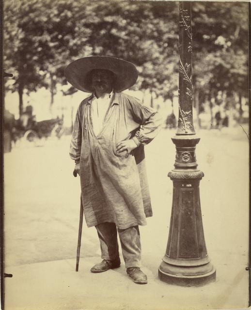 Eugène Atget, 'Fort de la Halle (Market Porter)', 1899-1900, J. Paul Getty Museum