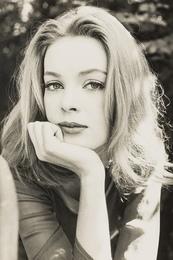 Nena von Schlebrugge: Closeup Portrait (First Test Shots)