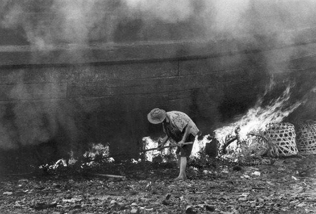 , 'Removal of Barnacles Using Fire,' 1968, Yeo Workshop