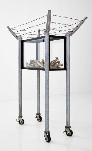 , 'En defensa propia,' 1996, Galería Hilario Galguera