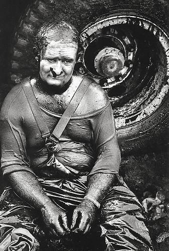 Sebastião Salgado, 'Oil Wells, Greater Burhan, Kuwait', 1991, Photography, Silver gelatin print, Galerie Bene Taschen