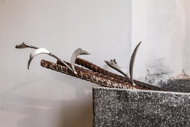 """, 'Fragment of installation """"THE GARDEN/RESTART"""",' , Meno parkas"""