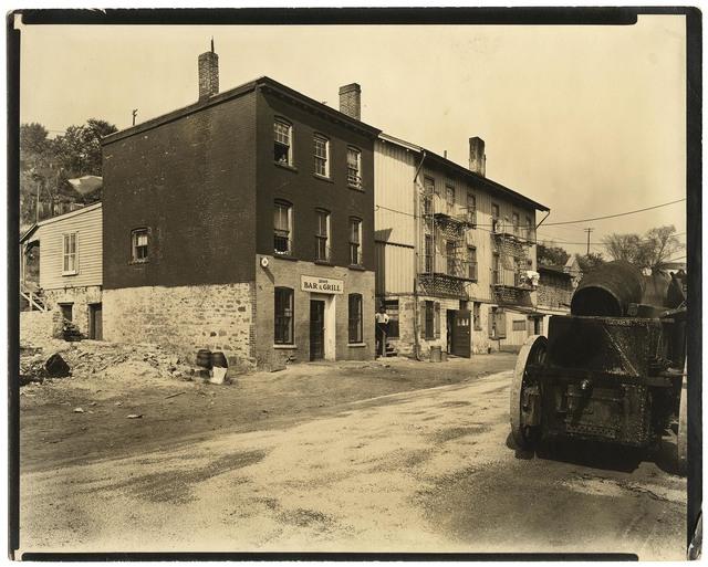 Berenice Abbott, 'Ewen Avenue, No. 2565. Spuyten Duyvil.', 1935, The Old Print Shop, Inc.