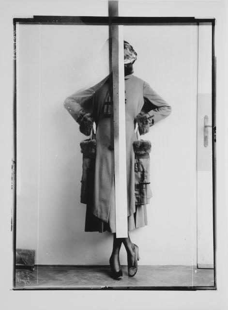 , 'Dame in einem Mantel mit Pelzbesatz (d'Ora-Benda Serie – Wiener Werkstätte),' 2016, unttld contemporary