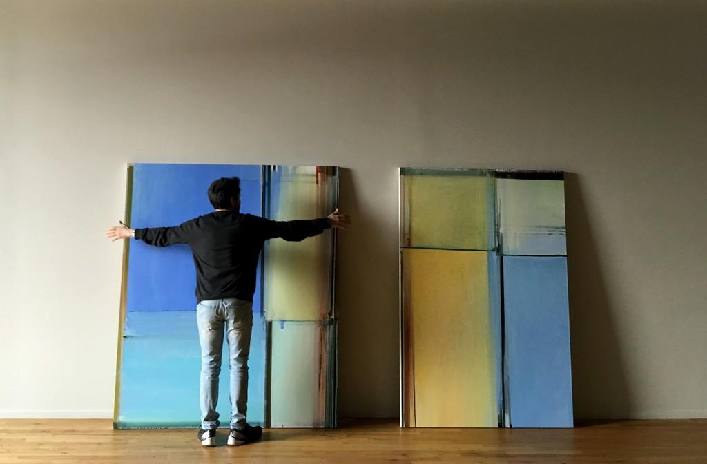 Juan Iribarren installing his show at Cecilia de Torres, Ltd. (April 12, 2018)