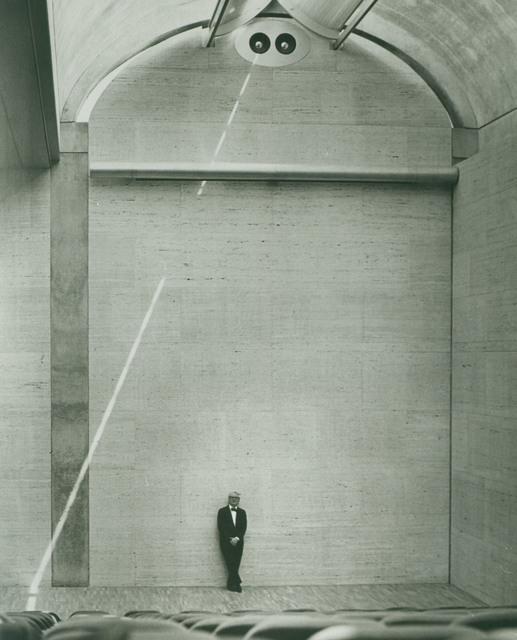 , 'Louis Kahn in the auditorium of the Kimbell Art Museum,' 1972, Kimbell Art Museum